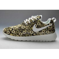 送料無料 Nike Roshe Run Pattern Womens Yellow Mum Shoes